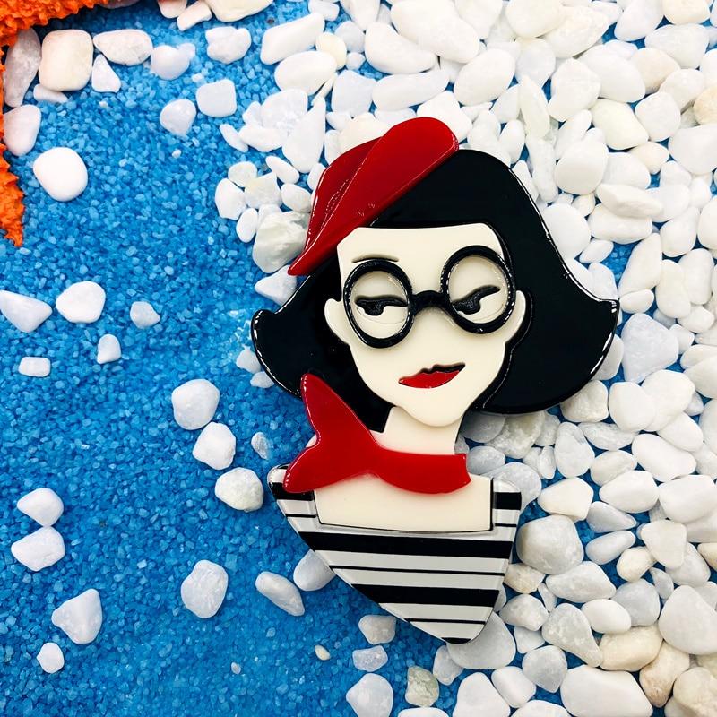 SexeMara-New-Design-Red-Hat-Acrylic-Girl-Brooch-For-Women-Girls-Cartoon-Lovely-Girl-Pins-Lapel (2)