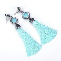 El yapımı Mavi Mavi Turquoises Howlite Taş Charm Siyah Rhinestone İnci Çiviler Dangle Ipek Püskül Küpe Kadın