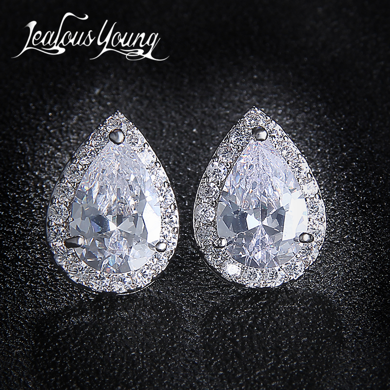 Fashion Sliver Color Pear Cubic Zirconia Stud Örhängen För Kvinnor Crystal Earings For Party Vatten Drop Studs Ear For Girl