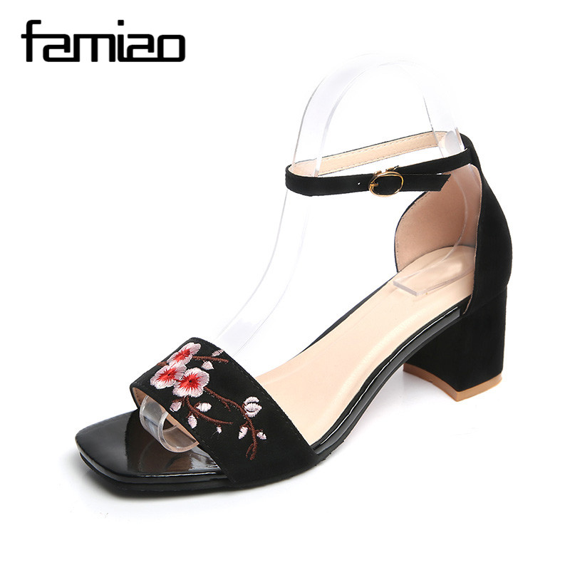 FAMIAO Woman Sandals Embroidery Floral High Heel Women Sandals Ethnic Floral Sandalias Zapatos Mujer Wedding Shoes 2017