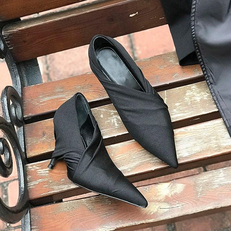 2019 หรูหราสีแดงซาตินปั๊มผู้หญิงชี้นิ้วเท้าแปลกรองเท้าส้นสูงรองเท้าผู้หญิงแฟชั่นรองเท้า-ใน รองเท้าส้นสูงสตรี จาก รองเท้า บน   3