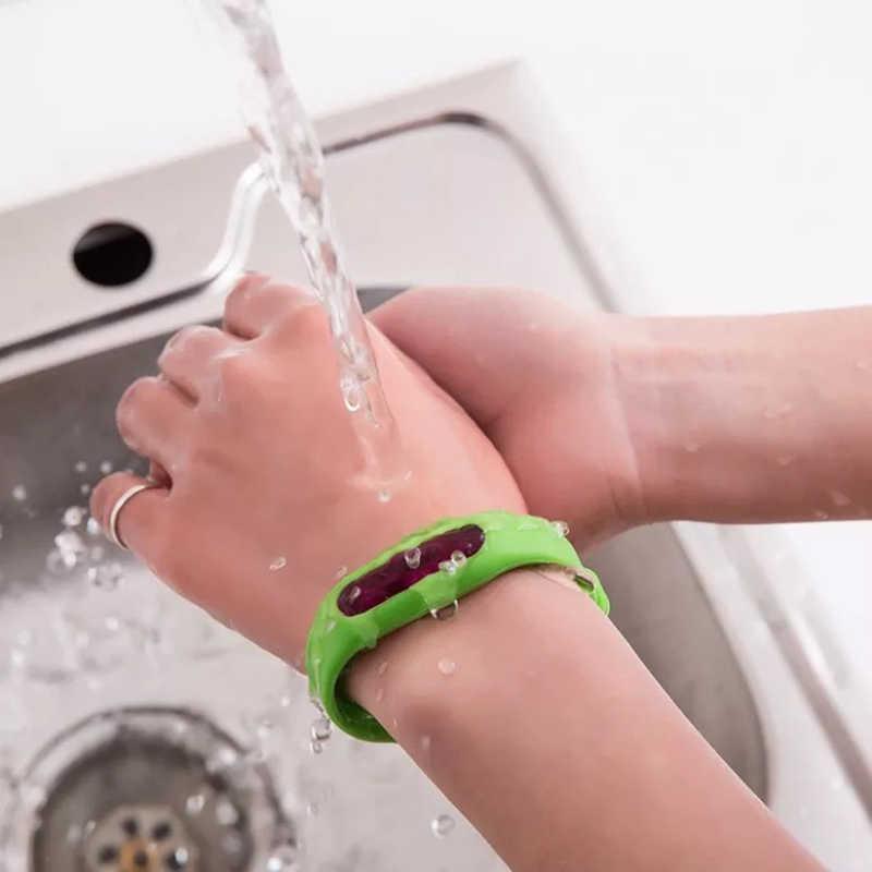ซิลิโคนป้องกันสิ่งแวดล้อมสายรัดข้อมือฤดูร้อนยุงป้องกันยุงปลอดภัยสำหรับเด็ก x