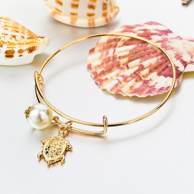 Cuff charm bracelet with bangels