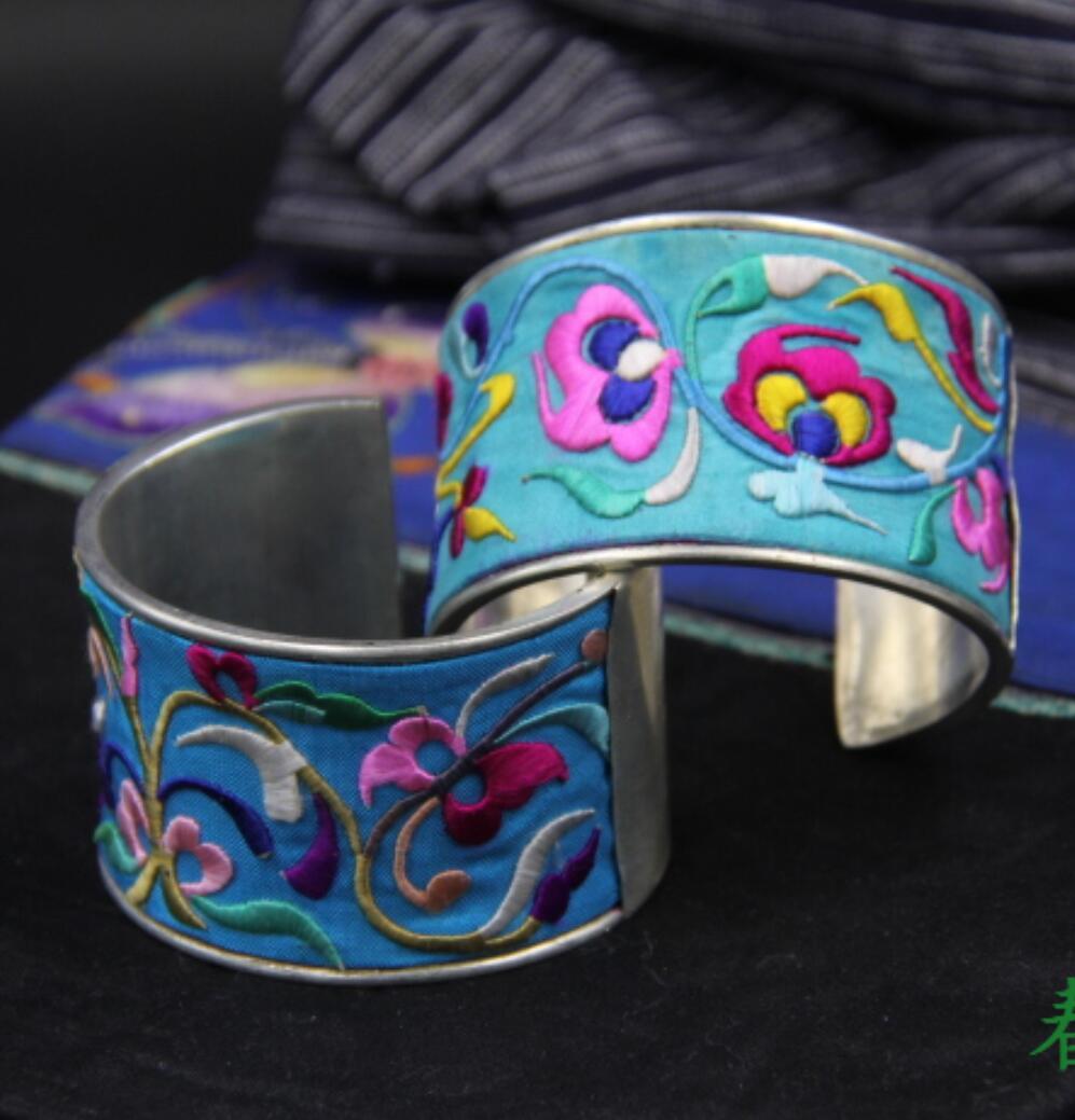 Vente chaude nouveau-vente en gros-chaud>> fabriqué à la main en argent broderie rivet large Bracelet mode dominateur ouvert brassards