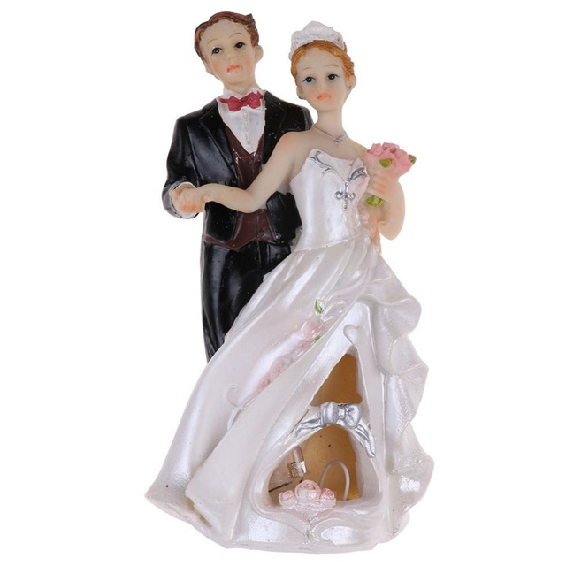 Sanheshun Fashion Resin Romantic Bride And Groom Wedding Cake Topper  Decoration Figure Model Toy For Wedding