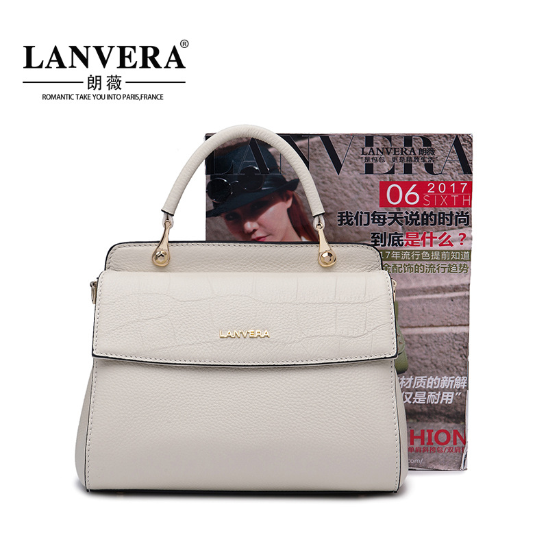 The first layer of leather handbag 2018 new fashion handbags all-match Shoulder Messenger portable one generation 2017 autumn and winter new women leather handbags fashion simple commuter first layer of leather handbag shoulder messenger bags