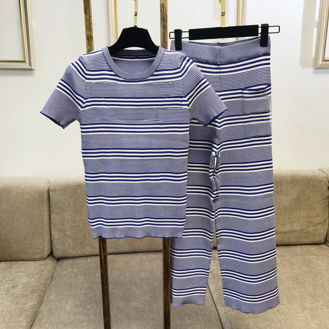Femmes deux pièces ensembles 2018 tricoté rayé à manches courtes chemise élastique bande pantalon femmes survêtement ensembles femmes vêtements