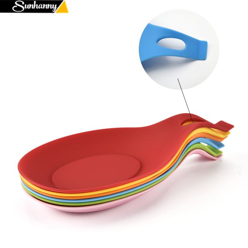 1Pcs Silicone Spoon Insulation Pad Heat Resistant Placemat Drink Glass Coaster Tray Spoon Kitchen Tool Accessories