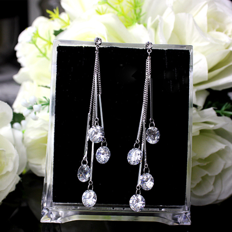 2018 NEW 925 silver Jewelry Authentic Swarovski teardrop shaped Tassel Earrings Crystal from Swarovski Ladies Fashion Earrings 925 silver earrings female teardrop shaped earrings stylish temperament earrings