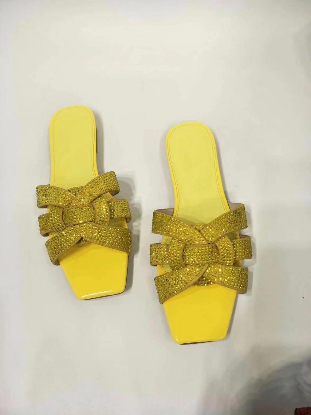Chaussures Supérieure De Toe Nom Marque Nouveau Carré Show as As Show Bout Plage Cristal Diamant Designers Femmes Pantoufles Mode Femme Plat Diapositives Peep Femelle OPandxpa