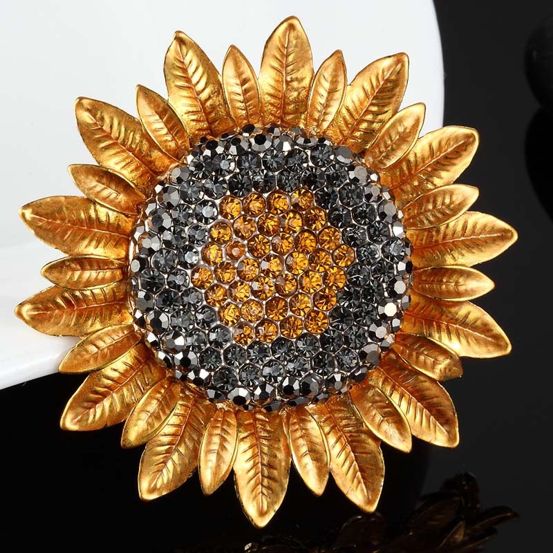 New Arrival Rhinestone Crystal Sunflower Brooch For Women New Year Gifts Colares Yellow Enamel Hijab Accessories Bags Bijoux