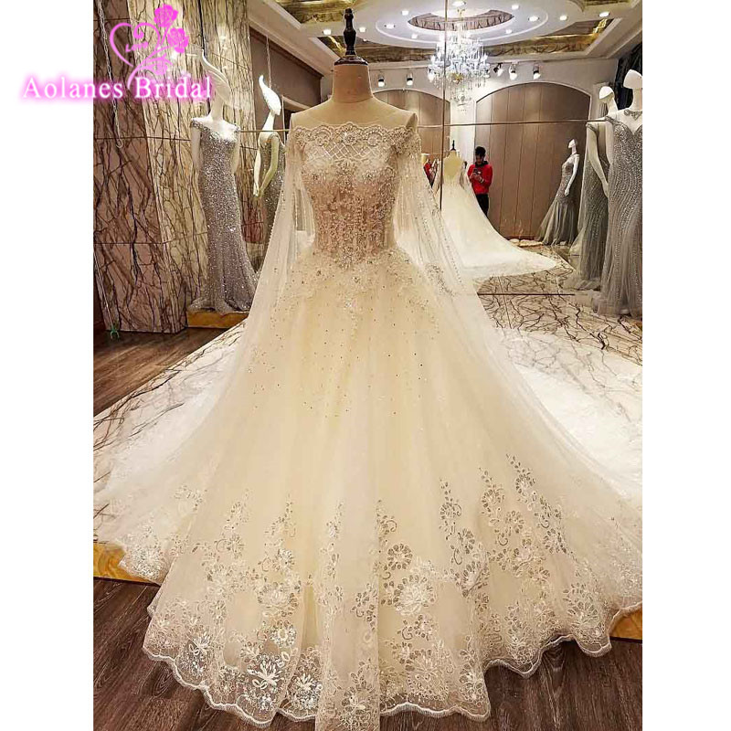 2017 New Luxury Real Pictures Long Train Lace Appliques Sequins Wedding Dress Boat Neck Crystals Bridal Dresses Gown with Shawl