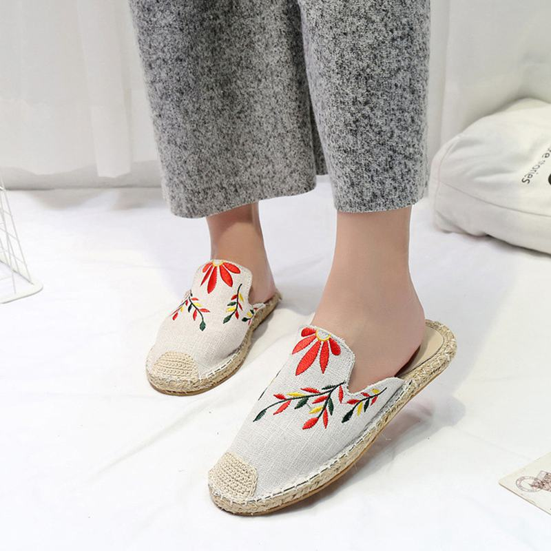 2018 new flat grass shoes women s fashion wear non-slip flat bottom Mueller  shoes embroidery half drag women s shoes. 3104a0a7bf15