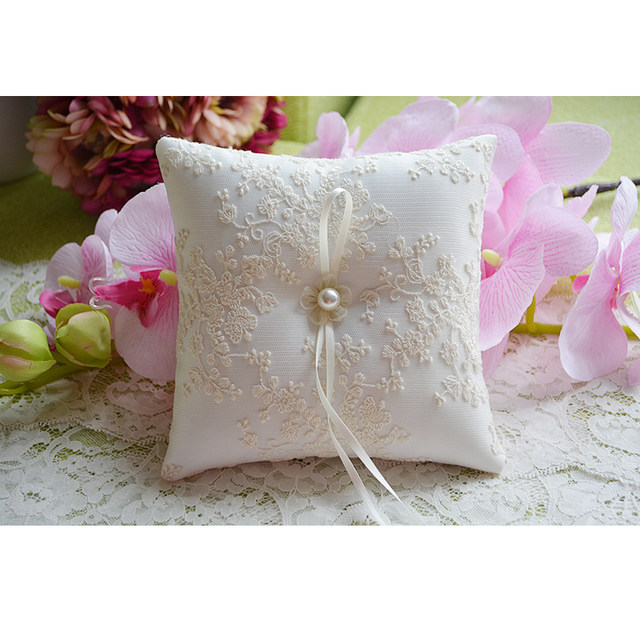 Top Quality Elegant Lace Delicate Forest Embroidered Wedding Ring Pillow Cushion Romantic Country Decoration Supplies