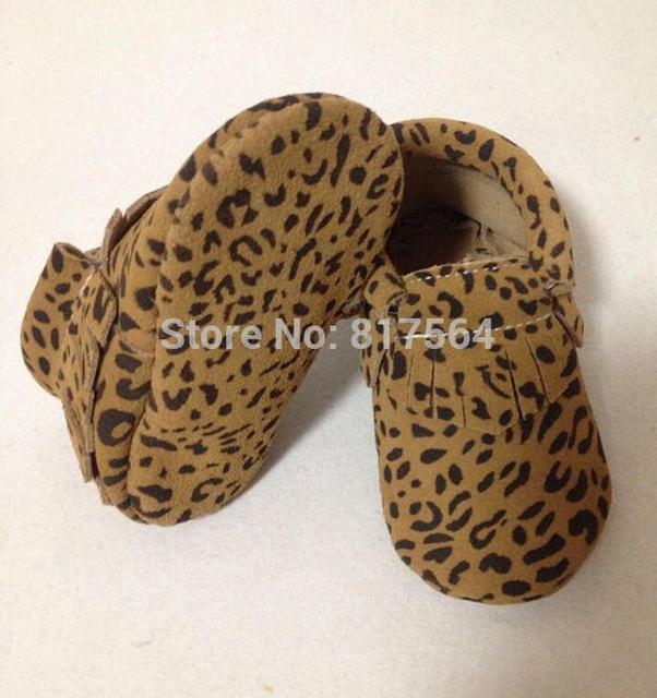 2015 Leopardo nuevos Mocasines Soft Moccs Bebé Recién Nacido Primeros Caminante del bebé Niños Zapatos de Prewalker Del Bebé Zapatos de Borlas de Cuero de vaca