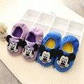 Zapatos de bebé Zapatos de Los Muchachos de La Muchacha de Mickey Patrón de Dibujos Animados Primeros Caminante Invierno Zapatilla de Felpa
