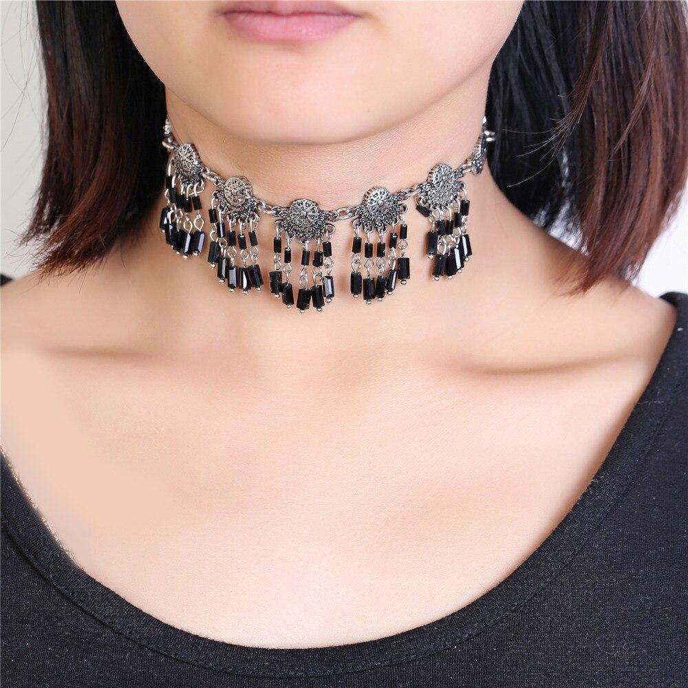 a52a7bbaa 2018 Nova Fashion Bohemian gargantilha colar da liga Handmade frisado colar  de pingente de prata Antiga da jóia cores e contas pretas