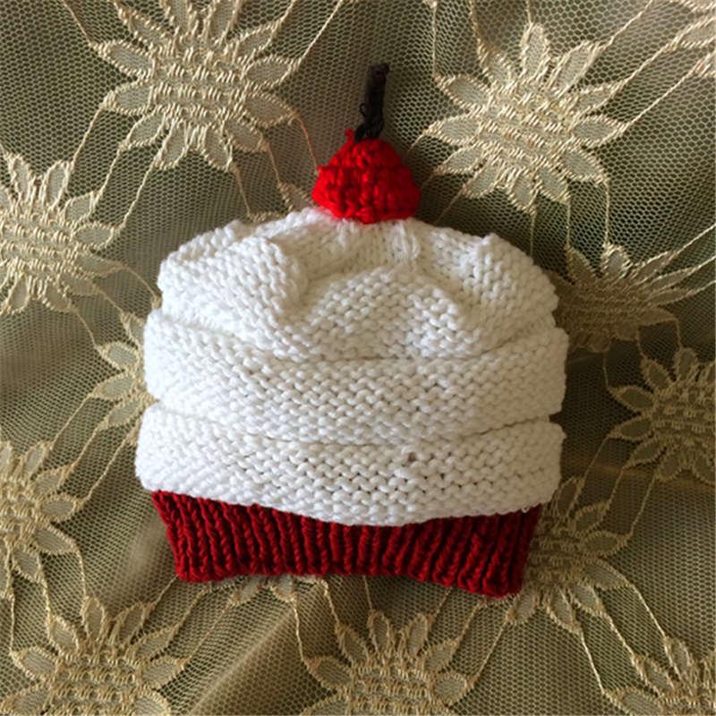 Sombrero de la torta nwborn Venta caliente Linda forma de corazón  encantador del bebé sombreros y gorras niños niño niña ganchillo hecho a  mano fotografía ... 939c60ecf75