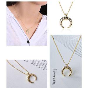 Image 5 - Silvology 925 Sterling Silber Gold Mond Crescent Anhänger Halskette Kreative Textur Elegante Weibliche Halskette 925 silber Schmuck