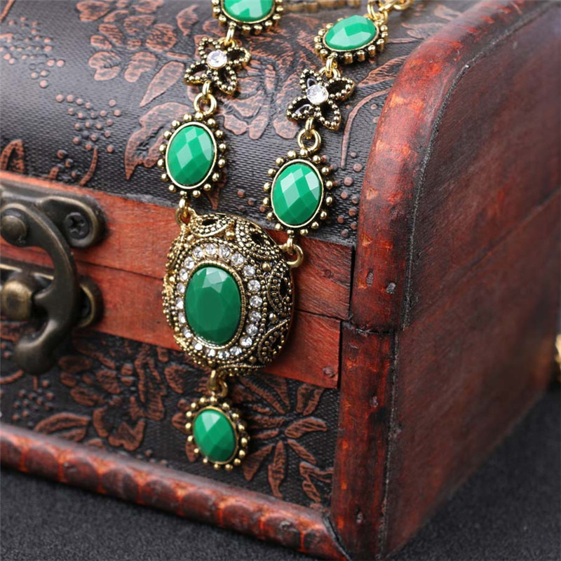 Beautiful Antique Gold Color Vintage Resin Choker Pendant &Necklace Statement Austria Women's Sweater Accessories Gifts