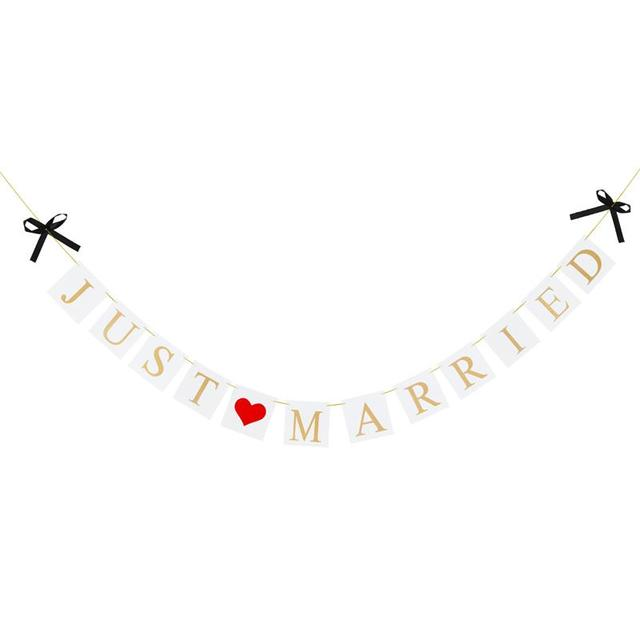 3 Meters Paper Banner with Sweat Heart Just Married Letters Glitter ...