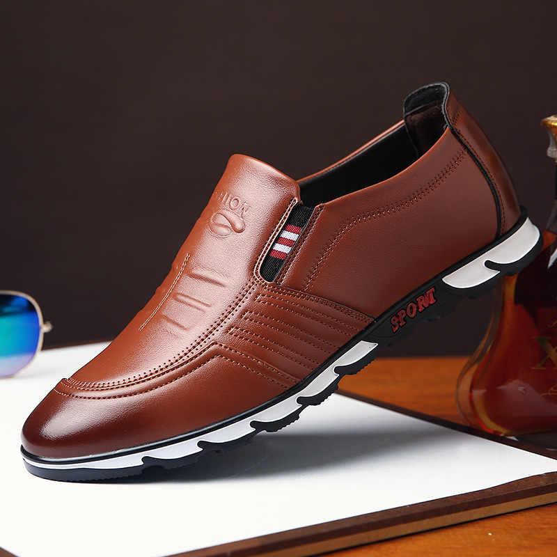 Modne skórzane buty męskie obuwie 2019 nowych mężczyzna mokasyny miękkie buty do jazdy samochodem męskie płaskie mokasyny Handmade Chaussure Homme