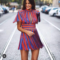 Di ALTA QUALITÀ della Moda di Parigi Stile 2018 Stella Designer Runway Vestito di Lusso da Donna A Strisce Colorate Vestito Nappa