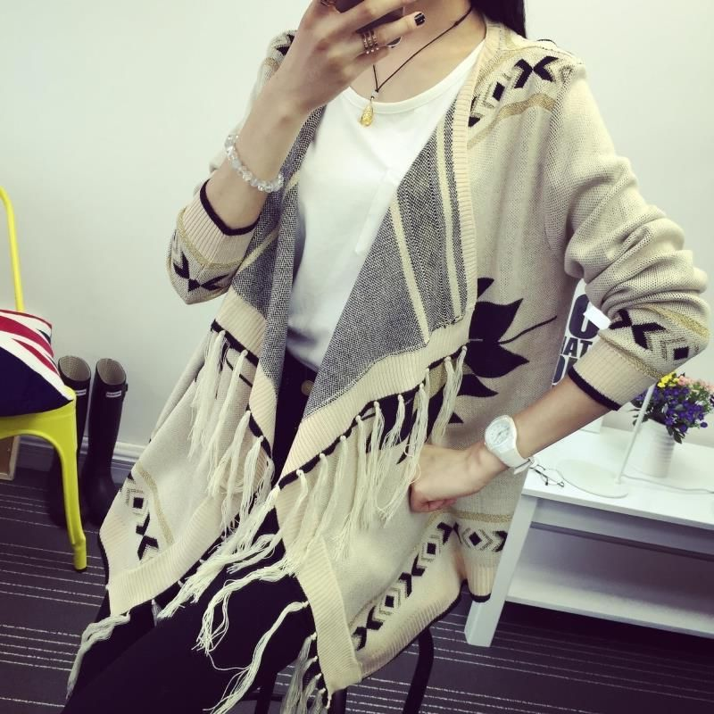 The new spring and summer 2017 Korean folk style fringed cloak loose irregular shawl knitted cardigan