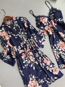 Image 3 - 新鮮な花サテンシルクセクシーなローブガウンセット女性バスローブ着物ドレッシングガウンレースシルクフラワー女性ローブスーツ