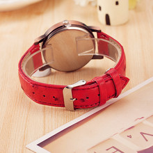 Elegant Women's Wristwatches with Piano Themed Pattern
