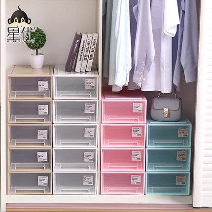 organize a small closet