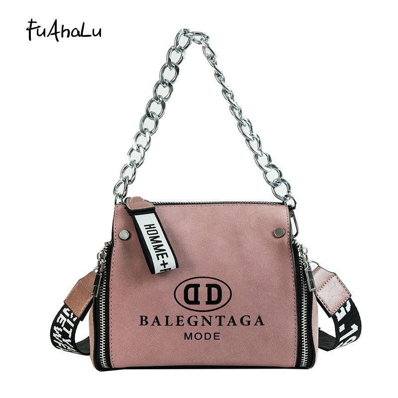 FuAhaLu Autumn new Hong Kong style wild Messenger bag letter wide shoulder strap bucket chain female