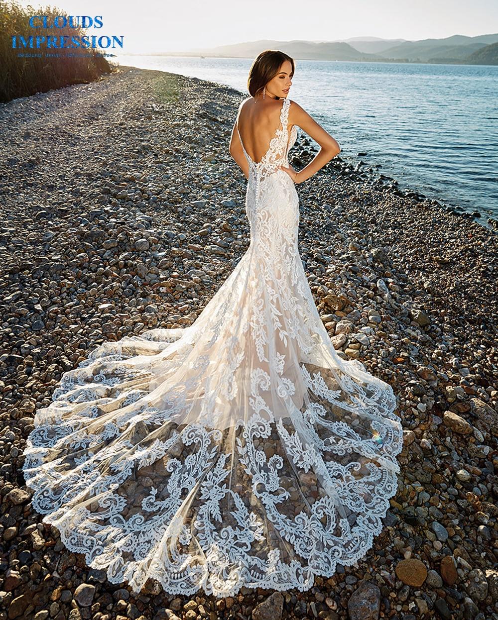 Romantic Chapel Train Mermaid Wedding Dress 2019 V-neck Beading Beach Lace Bride Dress Vestige De Noiva