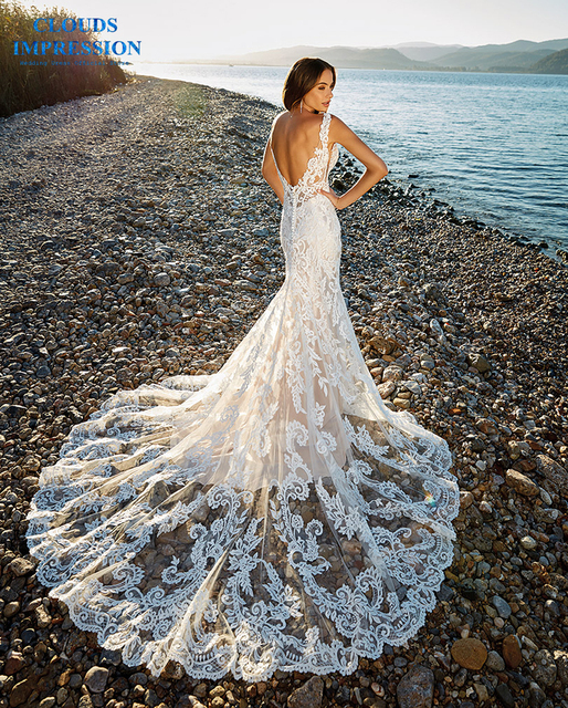 Romantic Chapel Train Mermaid Wedding Dress 2019 V neck Beading Beach Lace Bride Dress Vestige De Noiva
