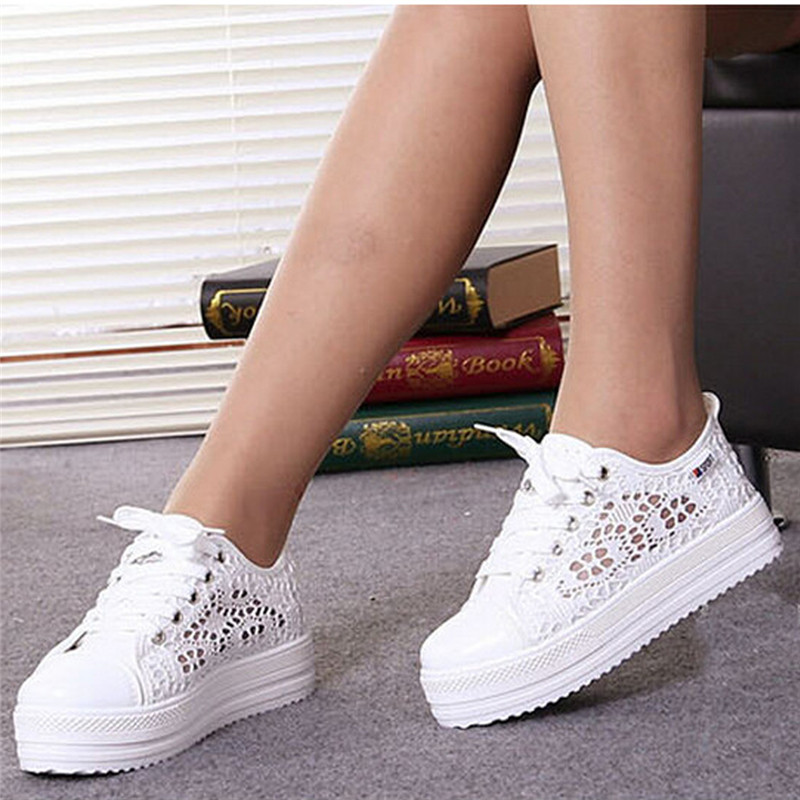 Women's Trendy Floral Lace Up Round Toe Wedge Heel Platform Ankle Sneakers