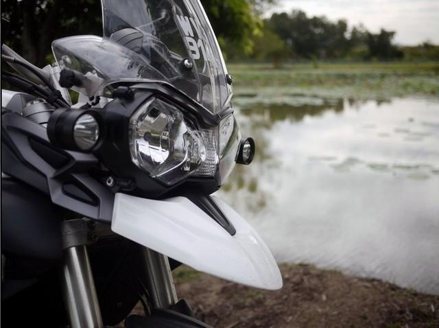 Frete grátis 1 * U2 20 W 2000 lumens motocicleta impermeável conduziu a luz com sinais de volta da motocicleta luz led farol