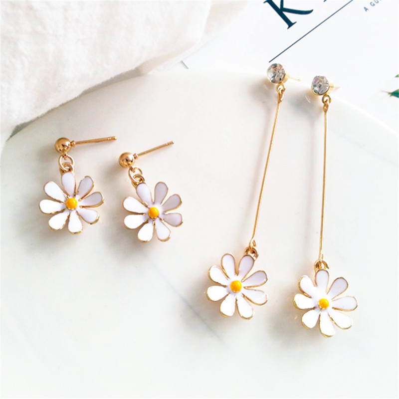 Temperament Beautiful Flowers Stud Earrings Fashion Metal Stud Earrings Female White Sunflower Flowers Stud Earrings For Woman
