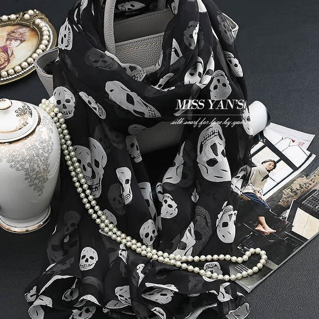 Genuino Mujeres de La Bufanda de Seda de La Manera Clásica Negro Whtie Cráneo Chal Bufandas de la Impresión 2016 Primavera Verano Invierno de la Buena Calidad