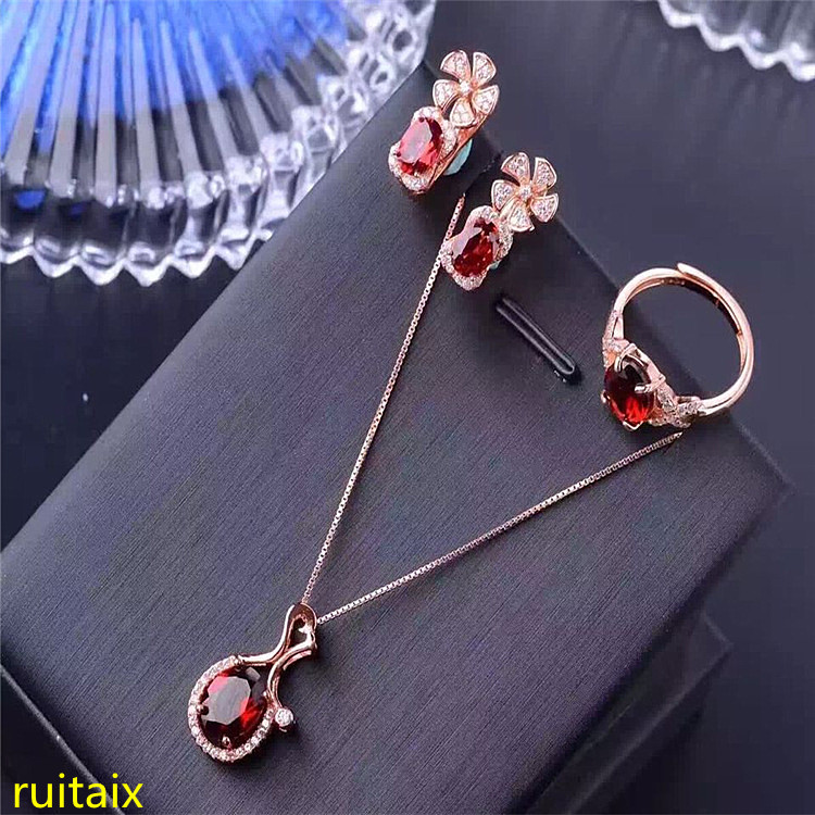 KJJEAXCMY boutique jewels 925 sterling silver inlaid with natural garnet female snowflake pendant ring earrings 3 pieces of jewe