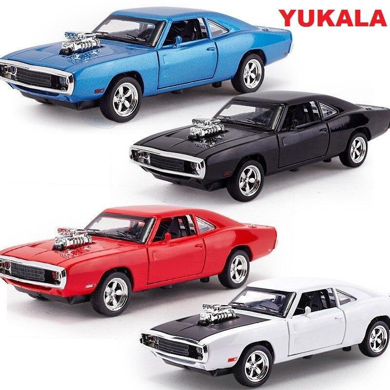 YUKALA 1:32 스케일 합금 다이 캐스트 자동차 모델 키즈 완구 1/32 Fast & Furious 7 Charger 당겨 치기 장난감 자동차 컬렉션 선물
