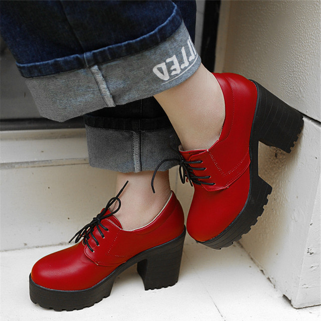 2016 primavera / otoño moda cuadrado de tacón bombas mujeres plataformas ata para arriba zapatos de gran tamaño asual sólido punta redonda zapatos de gran tamaño