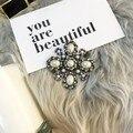 Venda quente jóia da pérola broche de metal Marca de Luxo de cristal do vintage Broche de strass Pinos Broche Para As Mulheres Vestido de Camisola