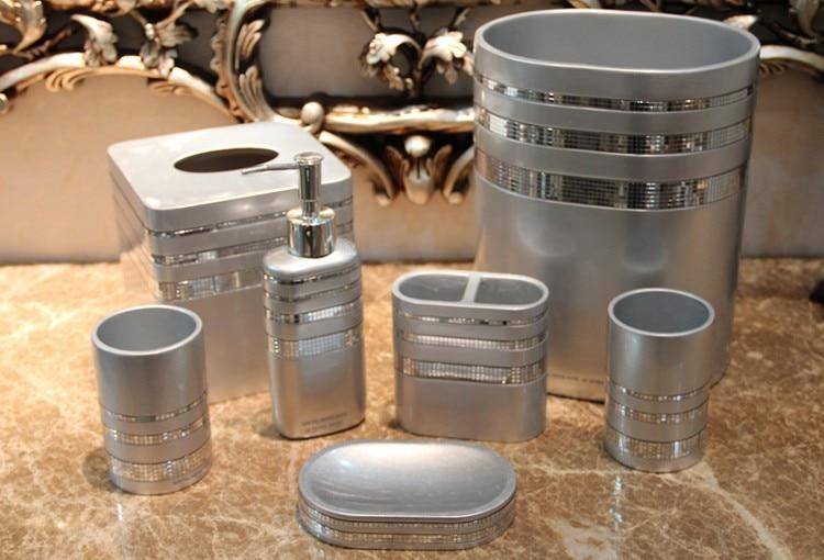 Badezimmerm Bel Klassisch badezimmer accessoires set braun zahnputzbecher badezimmer zubeh r beige bad accessoires set
