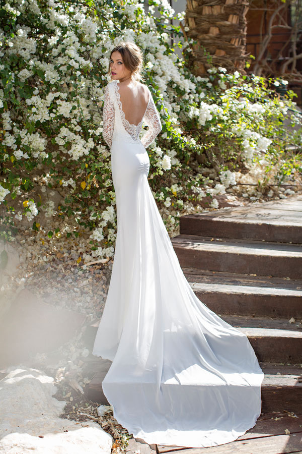 Mild Greek Style Backless Wedding Dresses With Long Lace