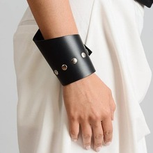 D&D Rivet punk Leather Bracelets Handmade Bracelets For Women Luxury Charging Cable Leather Bracelet Jewelry punk style tiered cone rivet and faux leather beads bracelet for women