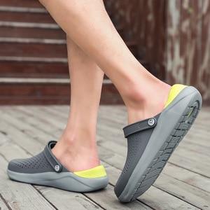 Image 4 - 2020 di estate dei Nuovi Uomini di Sandali EVA Leggero Hollow Beach Pantofole antiscivolo Delle Donne Degli Uomini di Giardino Clog Scarpe Casual infradito