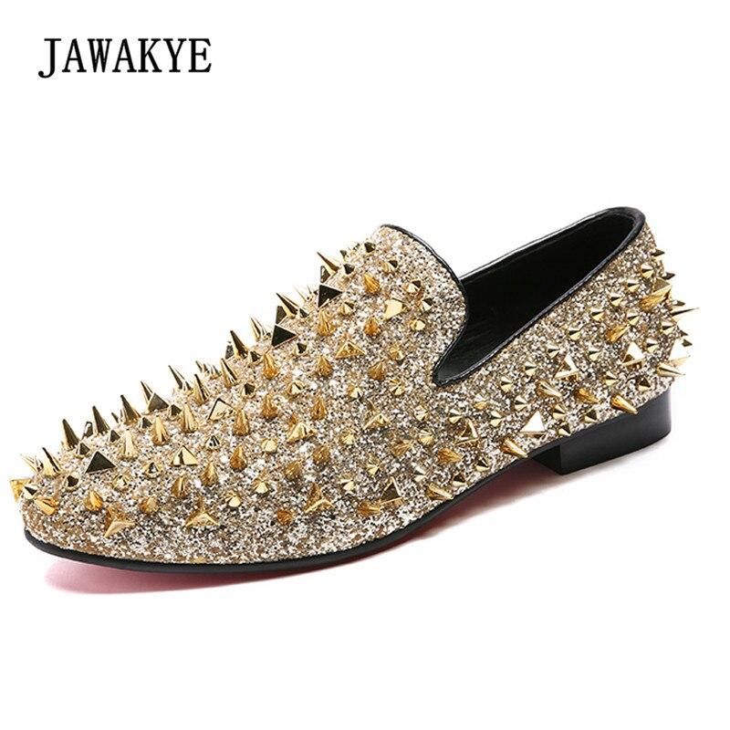 Moda złoty wzbogaconej buty wsuwane męskie okrągłe Toe błyszczące cekiny Banque buty ślubne męskie Slip On nity męskie buty ze skóry w Męskie nieformalne buty od Buty na  Grupa 1