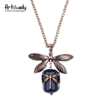 Artilady Natural Agate Pendant Necklace Fashion Gold Plated Dragonfly Pendant Necklace For Women Jewelry Party