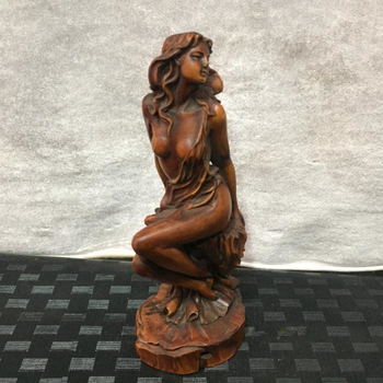 Natural old yellow poplar, hand-made sculpture, beautiful statue.