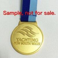 Deportes medalla de costumbre en oro chapado en 2 pulgadas de diámetro atado con cordón personalizado-100 unids